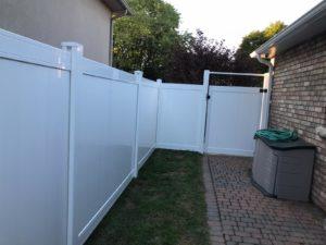 vinyl fence oakville